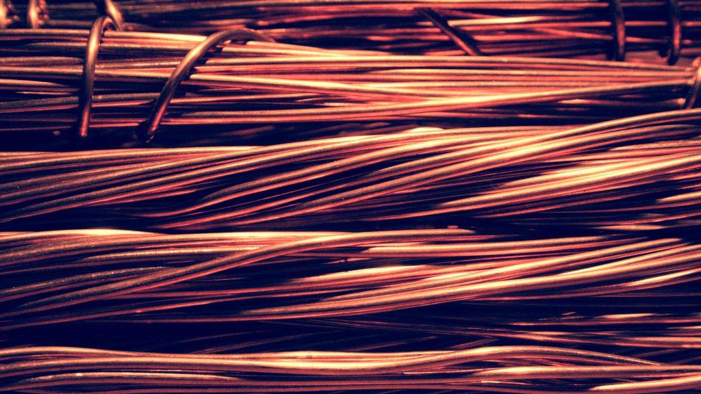 Il rame dei fili elettrici nel cablaggio