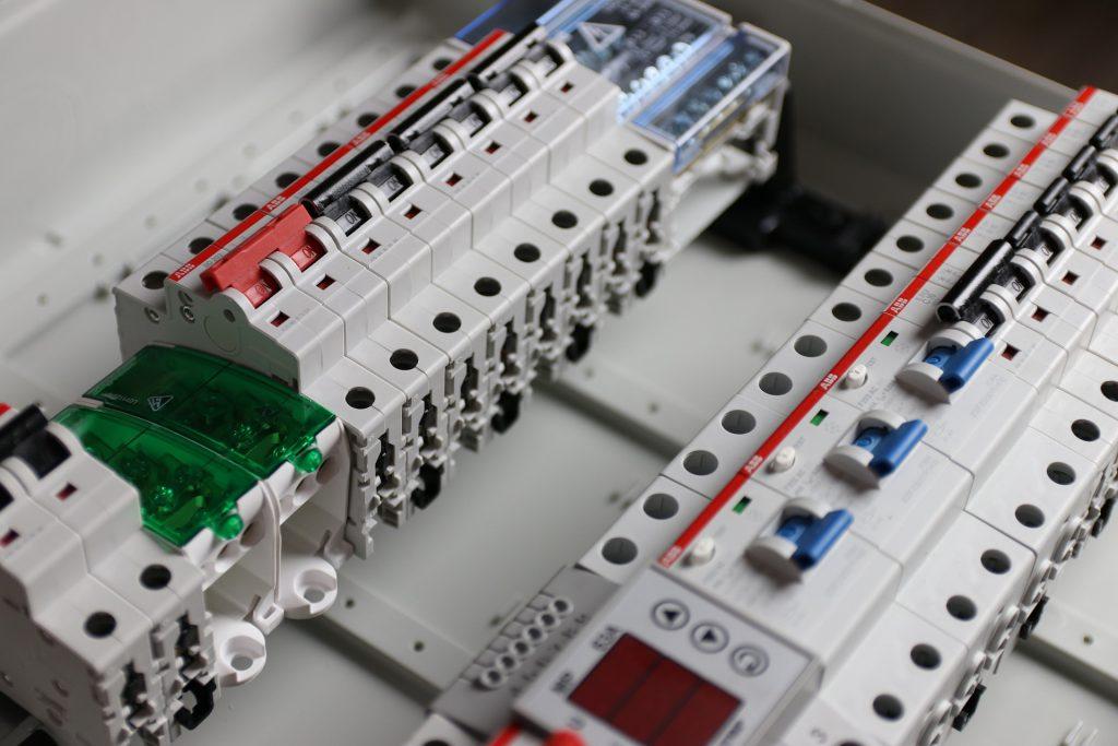 Schema Impianto Cablaggio Strutturato : Come si cabla un quadro elettrico great schema elettrico di un